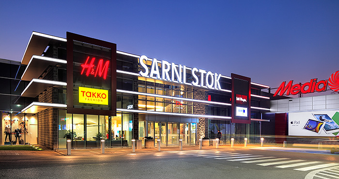 Sarni Stok, a shopping center redeveloped by Acteeum sold by CBRE Global Investors to Union Investment!